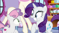 Sweetie Belle pops up in front of Rarity S8E12