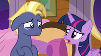 Twilight Sparkle apologizing to Star Tracker S7E22