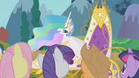 Twilight and friends bid farewell to Celestia S1E10