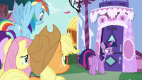 Twilight and friends outside Carousel Boutique S7E19