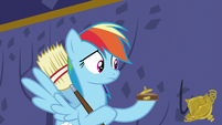 A piece of Rainbow's trophy falls out S5E11