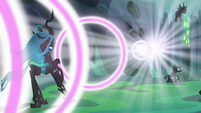 Chrysalis overwhelmed by Thorax's energy S6E26