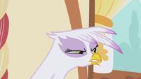 Gilda --I've got my eye on you-- S1E05