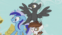 Minuette, Thunderlane, and Pipsqueak in shock S5E9