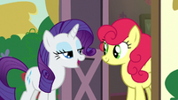 Rarity -tell her how you feel about apples- S7E9