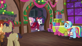 Snowdash greets Merry S06E08.png