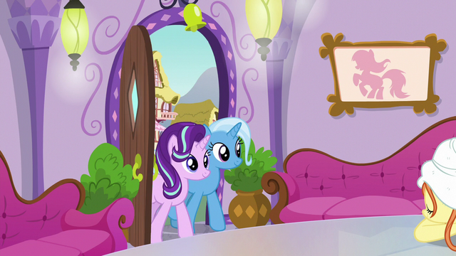 File:Starlight and Trixie enter the Ponyville spa S7E2.png