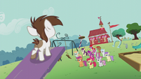 Students watch Pipsqueak on the seesaw S5E18