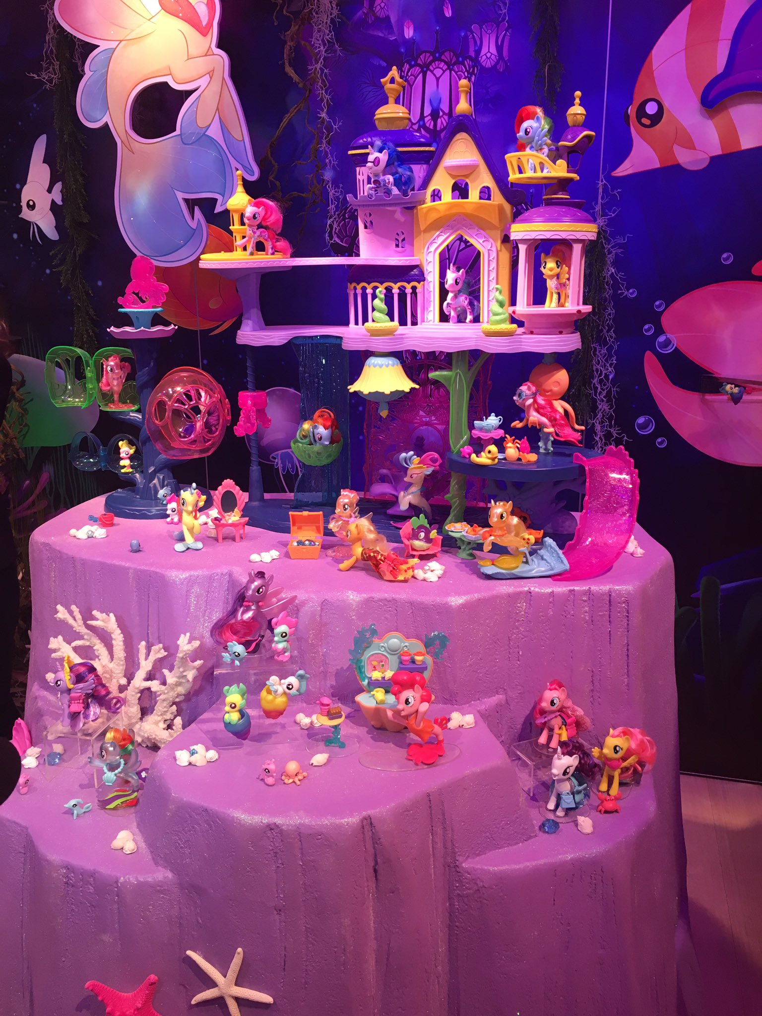 My Little Pony Toy Food : Image toy fair canterlot seaquestria castle