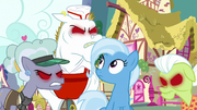 Trixie surrounded by anger-infected ponies S7E2