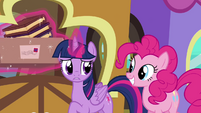 "Twilight ""not that big of a deal"" S4E22"