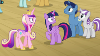 Twilight and family feel piercing pony eyes S7E22