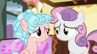 Cozy Glow smiling at Sweetie Belle S8E12