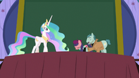 Method Mares bowing to Princess Celestia S8E7