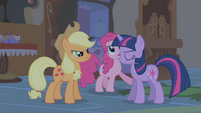 Pinkie Pie, please, stop singing S1E09