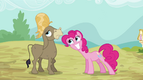 Pinkie Pie Happy For Cranky S02E18