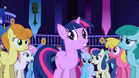 Popular background ponies staring at Twilight S01E01