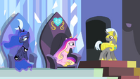 "Princess Cadance ""go down and help him!"" S4E24"
