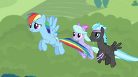 """Rainbow """"she must know what she's doing"""" S4E16.png"""