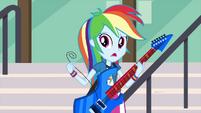 Rainbow Dash holding her broken string EG3