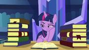 S05E16 Zdenerwowana Twilight wśród książek