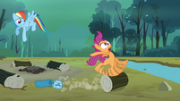 Scootaloo rolling log S3E6