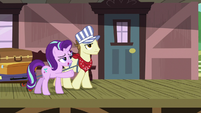 Starlight Glimmer talking to Steamer S7E24