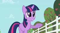 "Twilight Sparkle ""With Applejack"" S2E03"