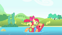 Apple Bloom jumps onto Big Mac S4E20