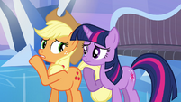 Applejack whispering to Twilight S03E12