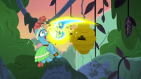 Meadowbrook overwhelmed by flash bees S7E20