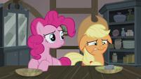 Pinkie notices Applejack's unease S5E20