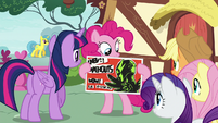 Pinkie shows flyer to her other friends S8E20