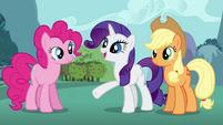 """Rarity """"design you a special hero's gown"""" S4E16.png"""