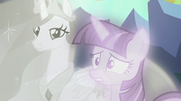 Twilight Sparkle starts to get worried S7E1