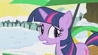 Twilight biting her lip S1E11