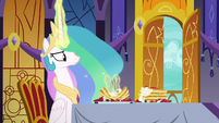 Celestia disappointed while eating pancakes S7E10