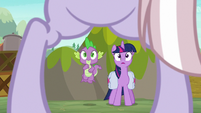 Dusty lands before Twilight and Spike S9E5