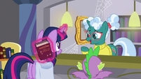 """Librarian Pony """"I don't know her"""" S9E5"""