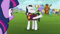 Neighsay dismissing the other creatures S8E1.png