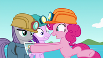 Pinkie giving photo to Starlight and Maud S7E4