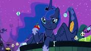 S02E04 Luna na Nightmare Night