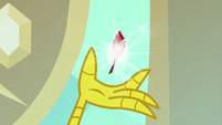 Tiny quill appears in Discord's claw S8E15