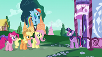 "Twilight ""Rarity's our friend"" S6E9"