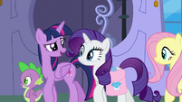 "Twilight ""marshmallow-eating-contest gown"" S9E24"
