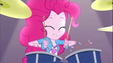-Latino- Equestria Girls Rainbow Rock - Shake Your Tail -HD-