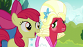 """Apple Bloom singing """"a bond that never ends"""" S5E17.png"""