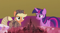 """Applejack """"don't see what this has to do with"""" S5E25"""