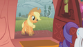 Applejack has muddy hooves S1E08.png