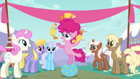 Filly Pinkie Pie juggling rubber chickens S4E12